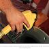 Petrobras anuncia sétimo reajuste consecutivo da gasolina.