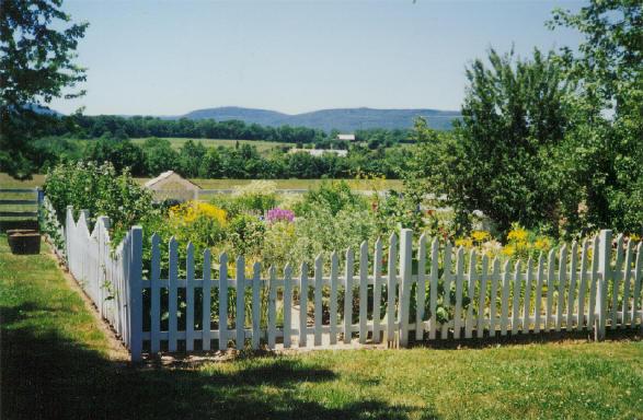 Garden Fences Ideas: Garden Fence Designs Pictures