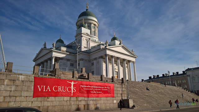 Tuomiokirkko with Via Crucis announcement