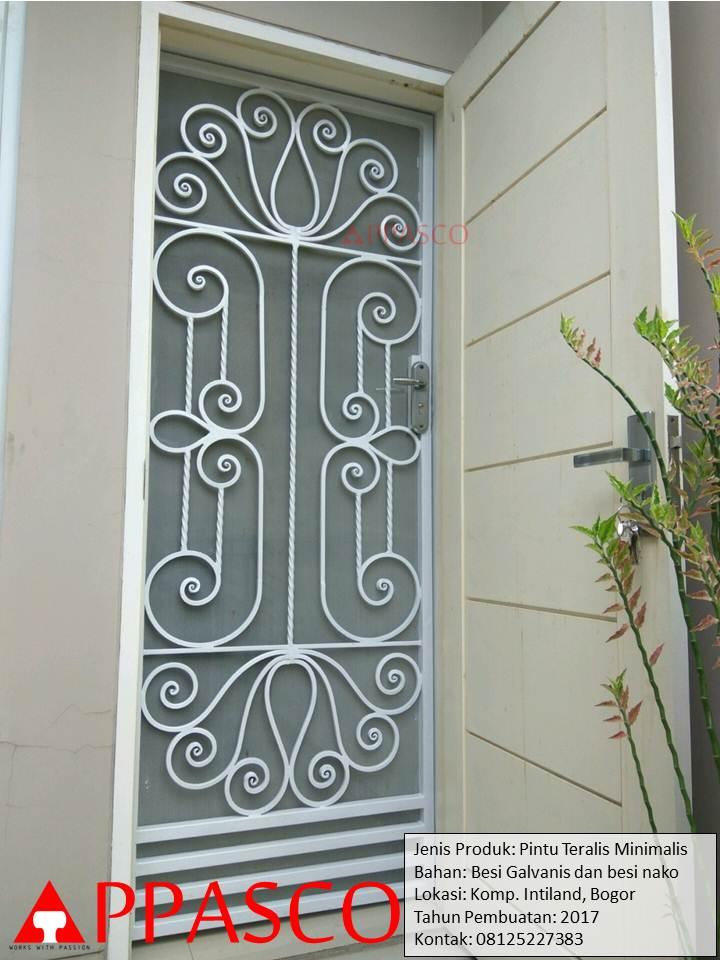 Pintu Besi Rumah