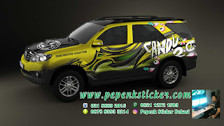Wraping car fortuner striping