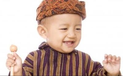 Memberikan nama bayi laki laki memakai bahasa Jawa yakni salah satu pilihan yang tepa Nama Bayi Laki Laki Jawa Lengkap Dengan Artinya Dari A-Y