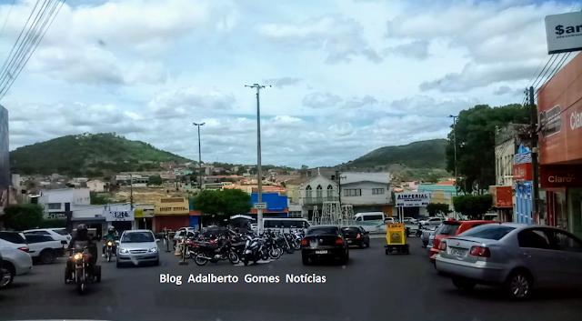 Em Santana do Ipanema, polícia prende homem acusado de furtar carro e televisão de residência