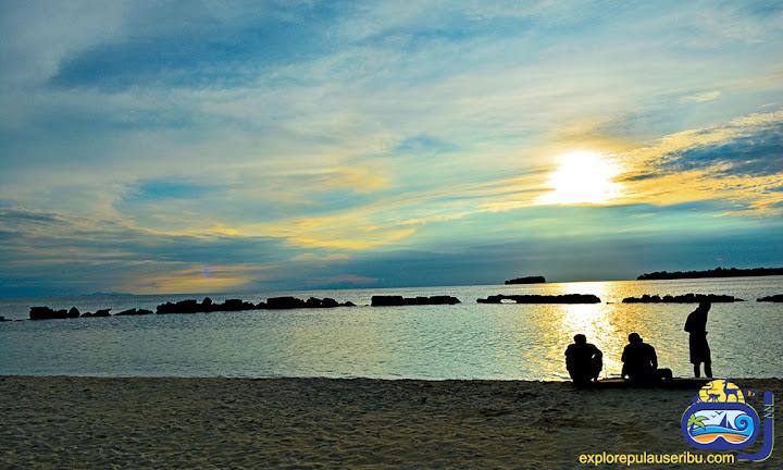 sunrise di pulau bulat wisata pulau harapan
