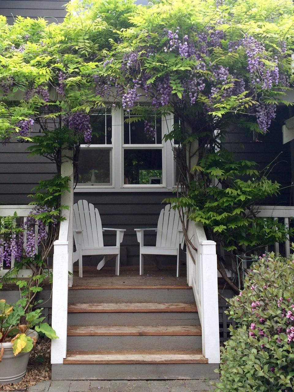 Little Farmstead: Cultivating A Farmhouse Landscape... on Farmhouse Backyard Landscaping id=27987