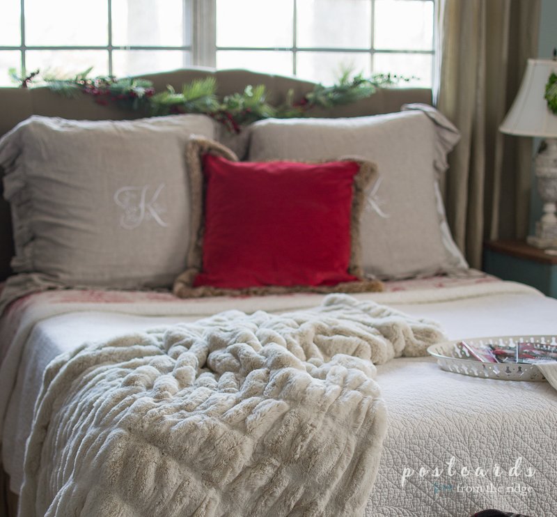 40 Ideas For Creating A Cozy Christmas Mood Postcards From The Ridge Unique How To Put Throw Blanket On Bed