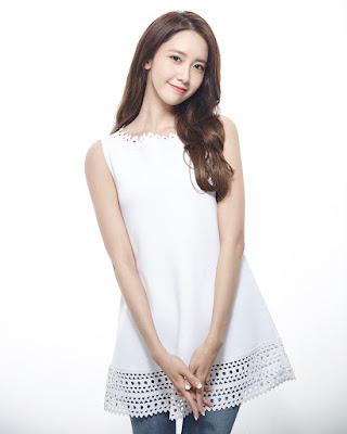 임윤아 im Yoon Ah mansi dengan Dress Putih manis