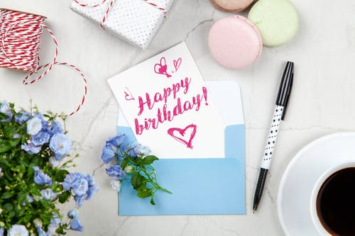 Happy birthday wishes in hindi - 50+ janmadin kee shubhakaamanaen