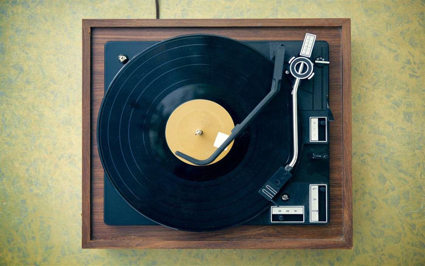 Download Visions of Vinyl, Tema per Windows 10