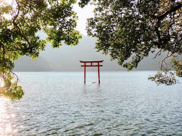 九頭龍神社 鳥居 芦ノ湖