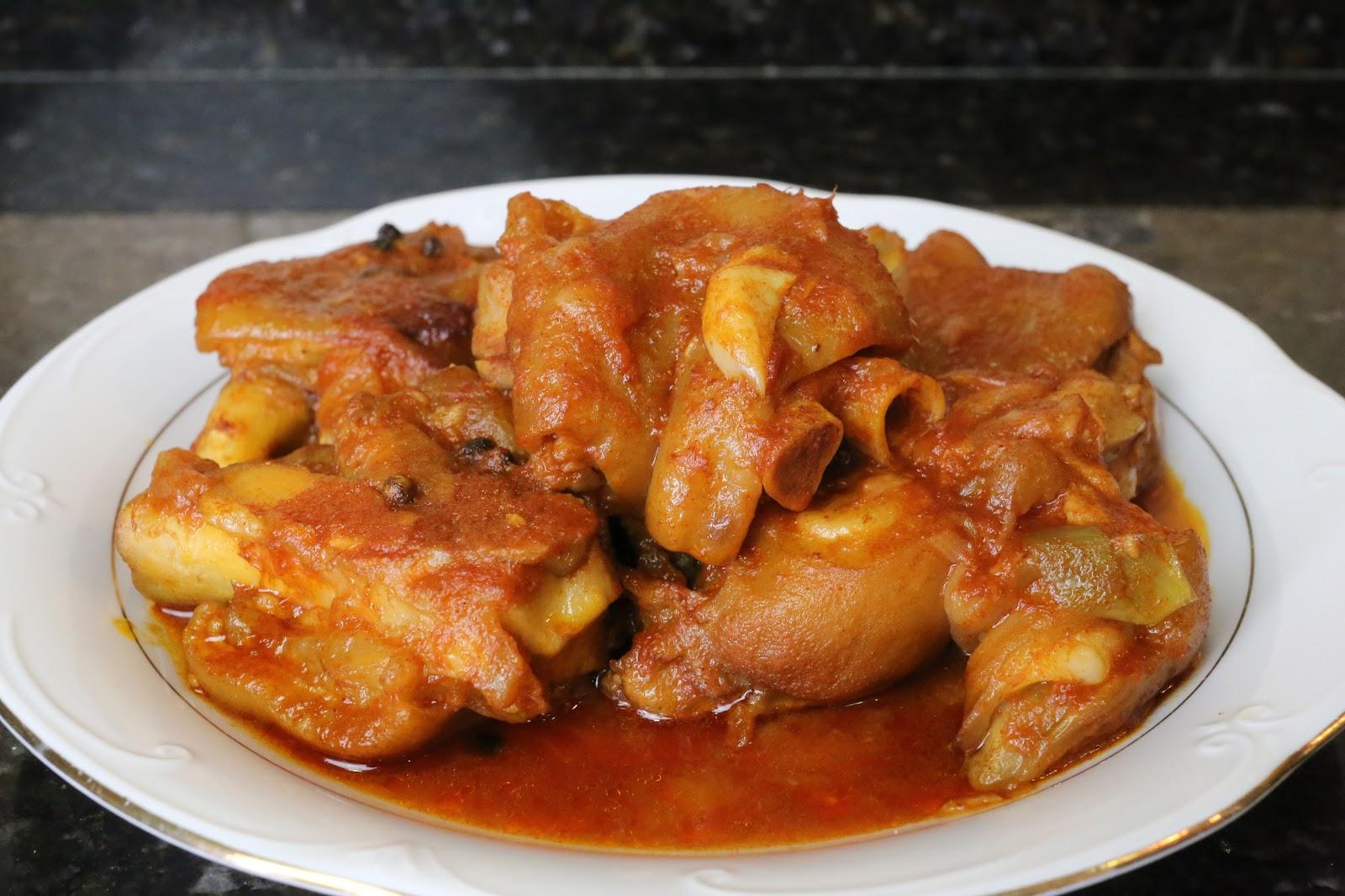 cocina andaluza manitas de cerdo en salsa