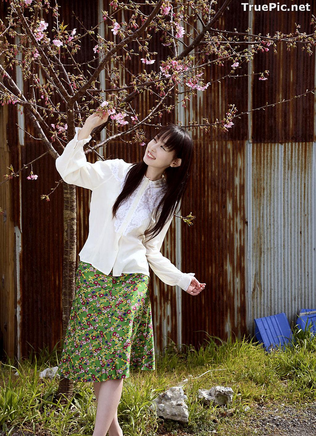 Image Image-TV Album Waiting for Me - Japanese Actress and Gravure Idol - Rina Akiyama - TruePic.net - Picture-1