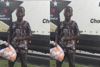 'Please Do It For Us So that I Can Go To School' - Little boy says As He Shares Free Snacks To #EndSARS Protesters