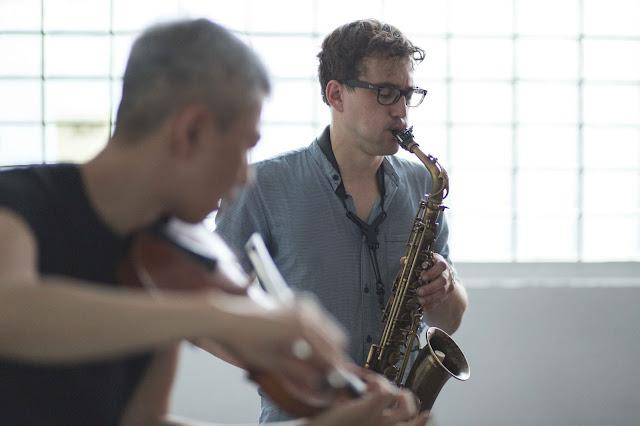 Sax: Florian Walter / Violin:Naoki Kita Rottstr5-Kunsthallen, Bohum, Germany