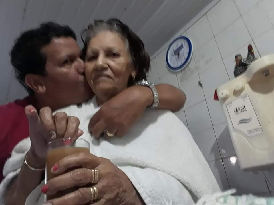 NOBRES: Mãe do Dr. Esmeraldo não resiste à Covid-19 e morre aos 84 anos