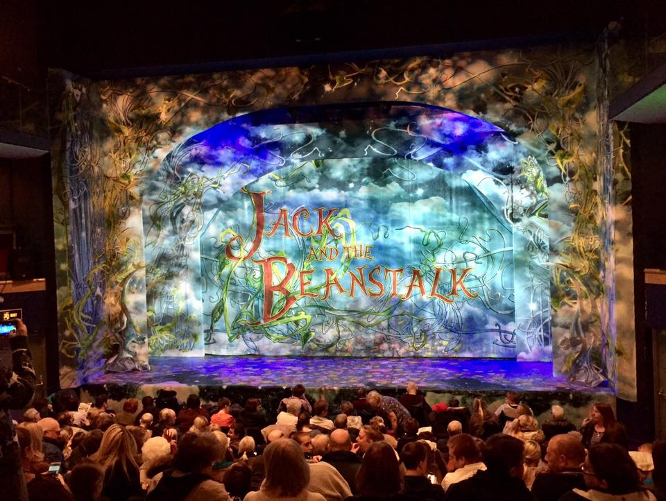 Jack and the Beanstalk Pantomime at the Customs House South Shields | A Review - stage set