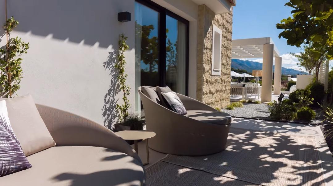 25 Interior Design Photos vs. Villa Olivia Nueva Andalucia Marbella Tour
