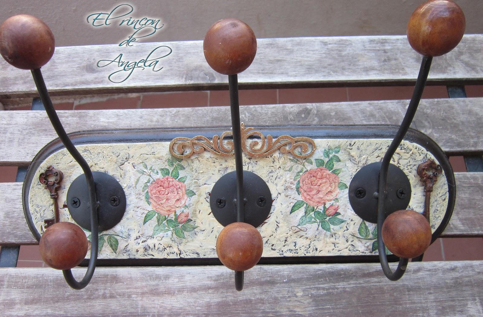 El rincon de angela decorar un perchero de madera con - Craquelado de madera ...
