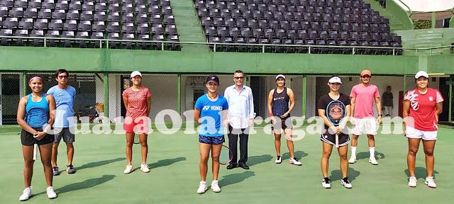 Anggota Pelatnas Tenis Putri Indonesia bersama Ketum PP PELTI Rildo Ananda Anwar