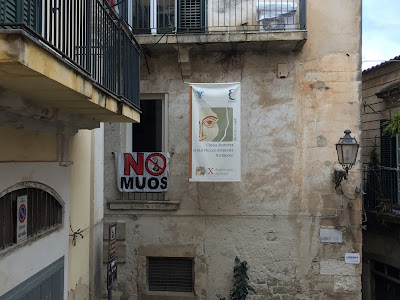 No MUOS sign in Modica.