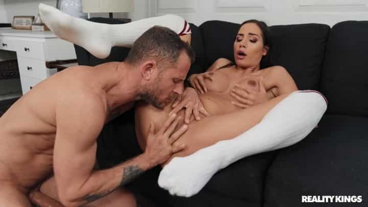 Desiree Dulce in Atypical Porn Delivery - Reality Kings
