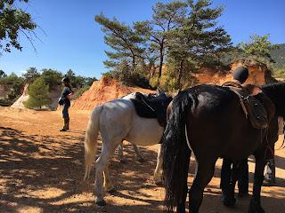 Riitta reissaa, Colorado, Ranska, Provence, Horsexplore