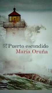 Portada del libro con el faro del Puerto Escondido de la escritora Maria Oruña, natural de Vigo pero que desde muy pequeña visitaba Cantabria. pequ