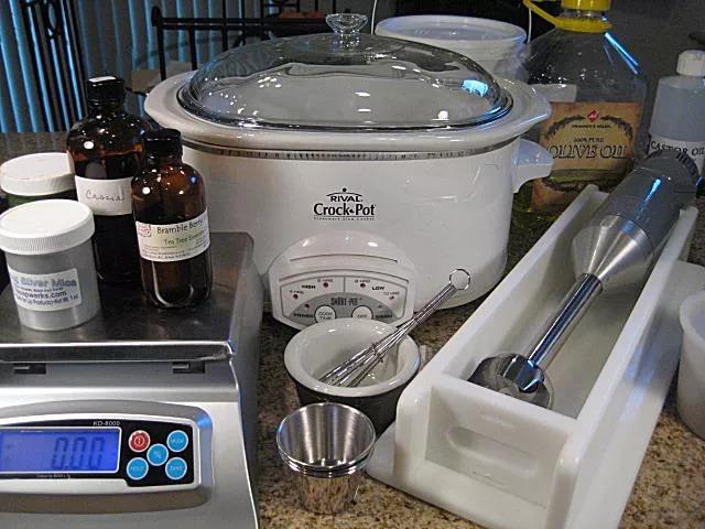 Dụng cụ làm xà phòng bằng phương pháp nóng