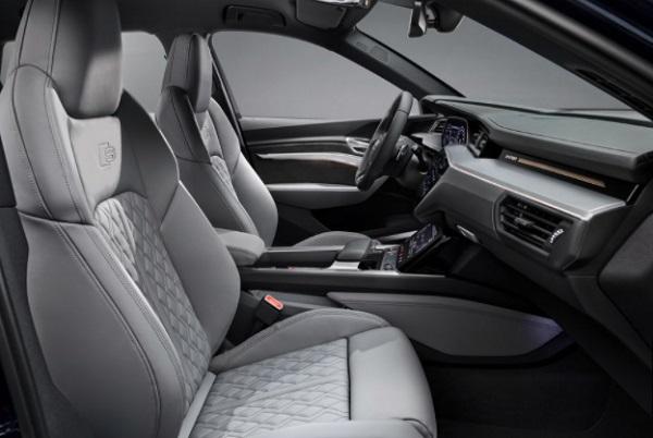 Seat area Audi etron tipe S