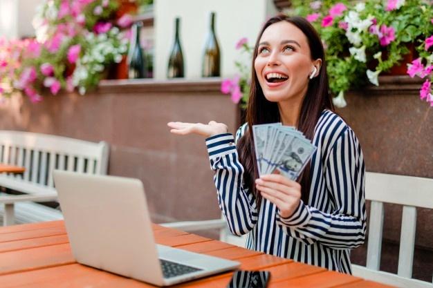 Заработок в интернете онлайн с выводом денег. Актуальные варианты 2021 года.