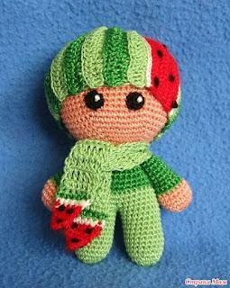 пупс йо-йо вязаный крюком ягода