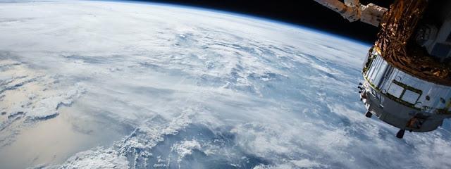 França quer enviar satélites armados para o espaço