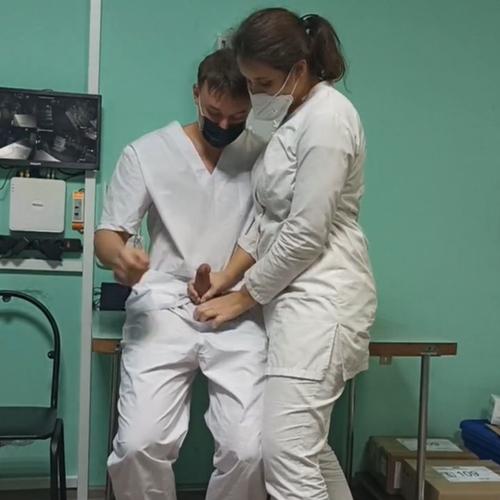 Câmera escondida flagra enfermeiros fodendo no posto de saúde