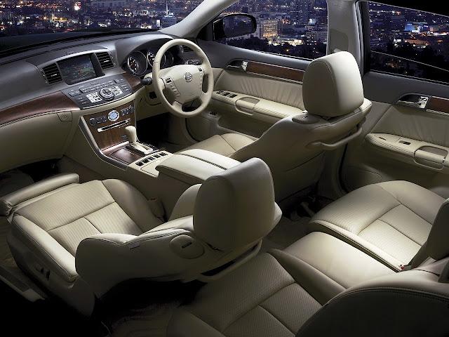 Nissan Fuga Y50 V8 japońska limuzyna sedan klasa premium luksusowy komfortowy samochód