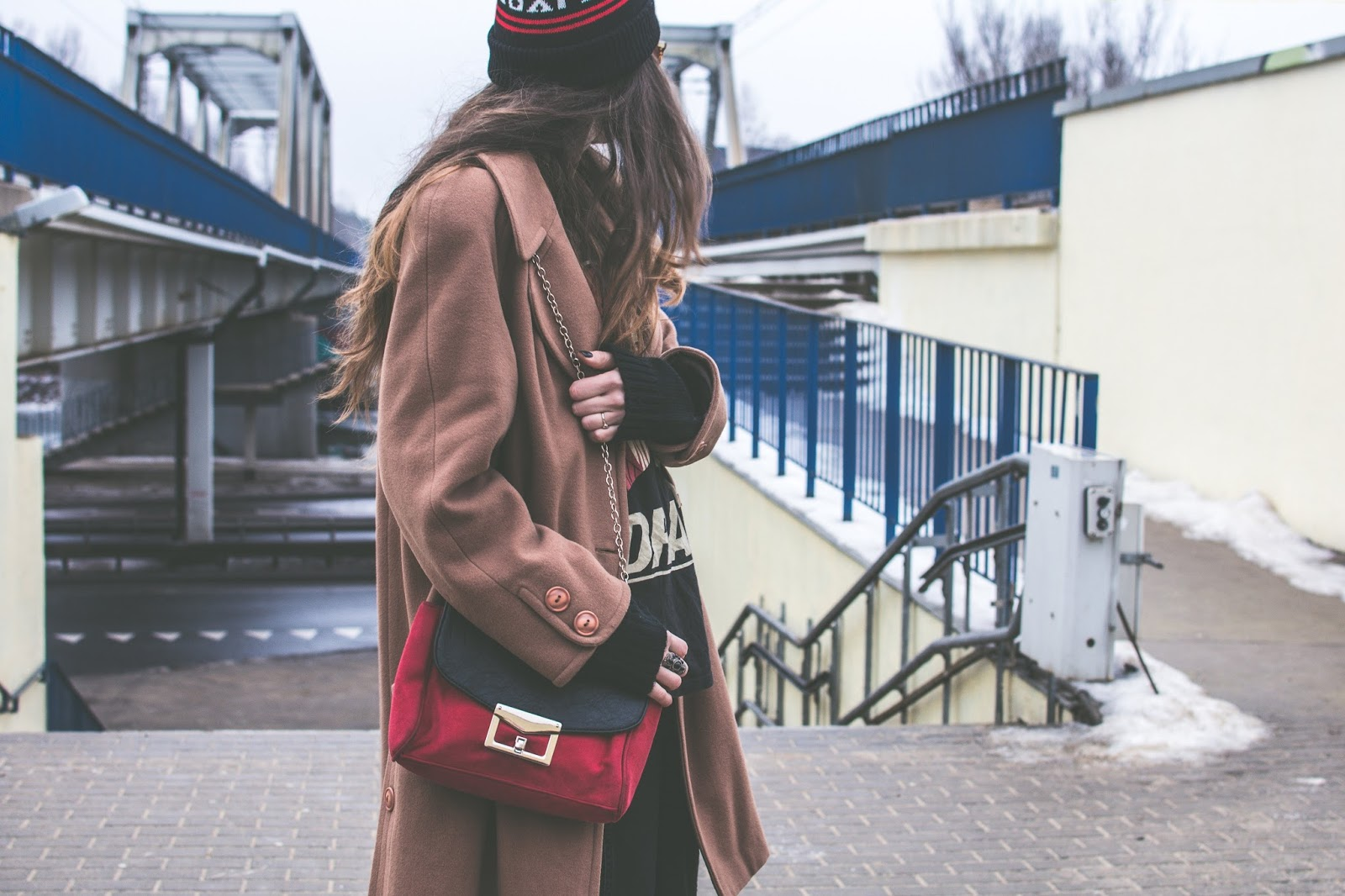 mohito red bag and camel coat