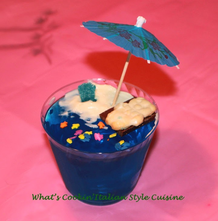 A perfect Island cool dessert that the kids will love to make and eat! During a visit with my nephew Vinny, who is from Upstate New York jello in a little cup