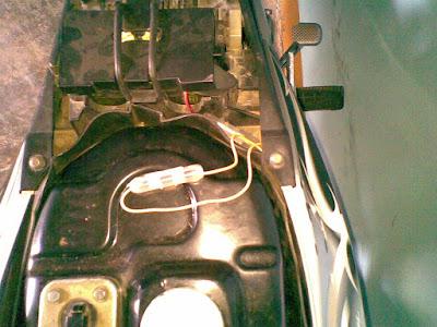 Membuat Lampu Motor Lebih Terang Seperti Mobil