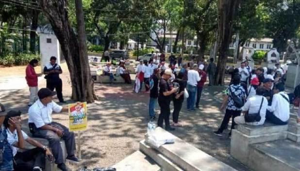 Bilangnya Ribuan, Aksi Dukung Jokowi Ternyata Cuma Dihadiri Puluhan Orang