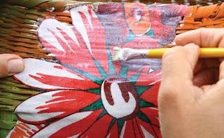 Manualidades con cestas de mimbre mimundomanual - Como decorar una cesta de mimbre ...