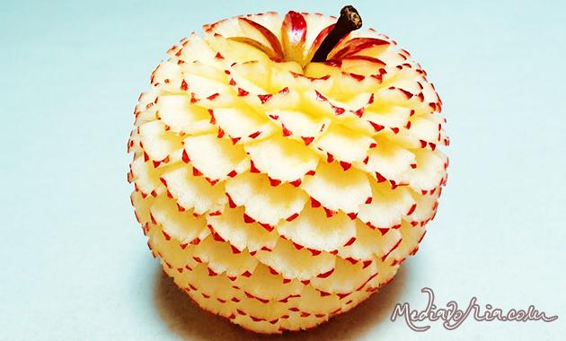 Ukiran Buah Apel