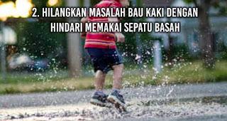 Hilangkan Masalah Bau Kaki dengan Hindari memakai sepatu basah
