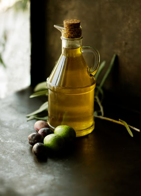 Benefits of Olive Oil (Jaitun Ka Tel) for Hair
