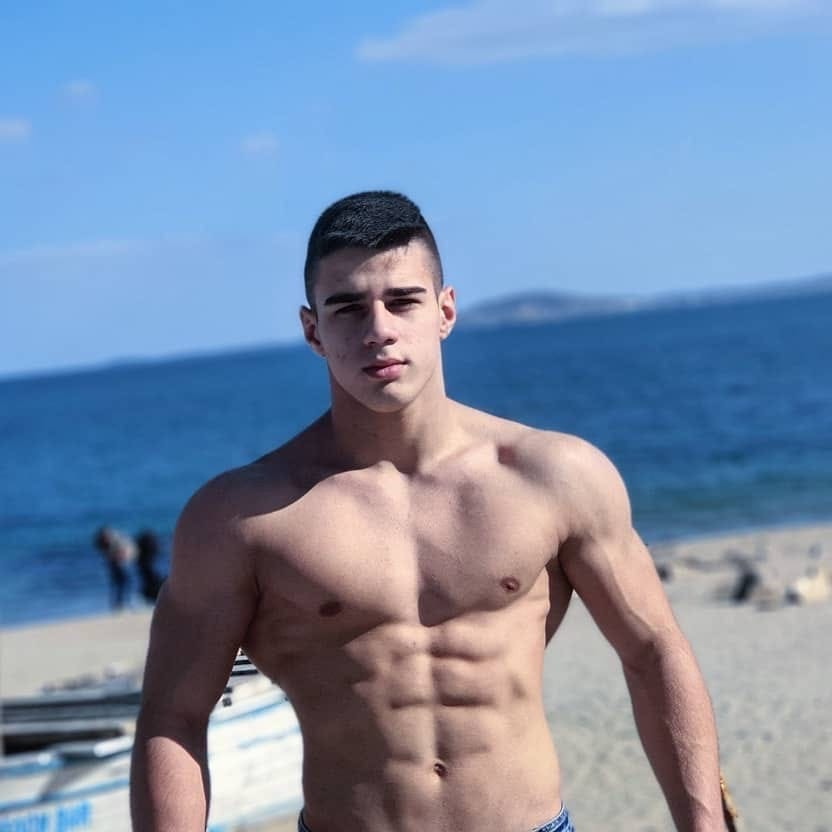 sexy-young-fit-shirtless-muscular-beach-alpha-boys