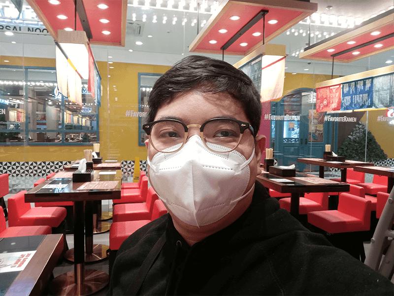 OPPO A5s selfie indoors
