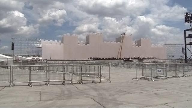 Έφτιαξαν ψεύτικα τείχη για να... μπει ο Ερντογάν ο Πορθητής!
