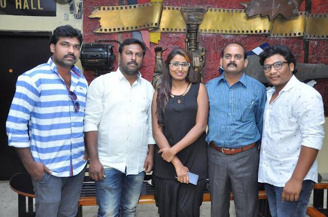 Swathi Naidu-Vekkirintha Movie Press Meet Stills
