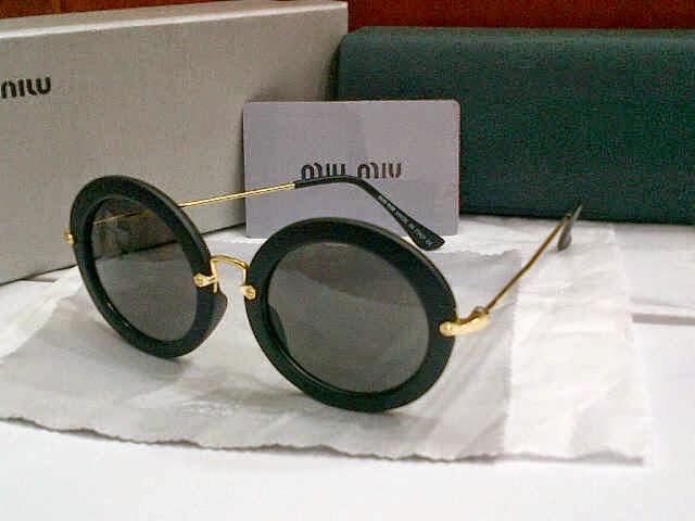 Kacamata Miu-miu Bulat 607 hitam ee6eba16a8