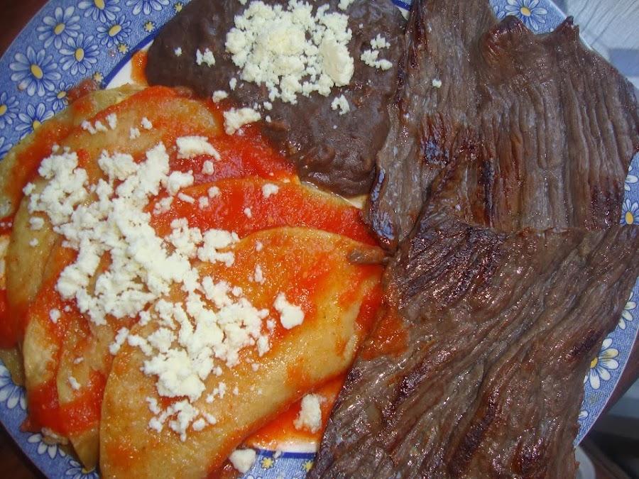 Cecina y Enchiladas Huastecas
