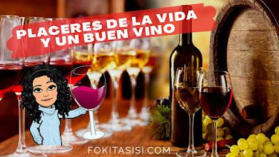 Mesa con botella y caliz de vino