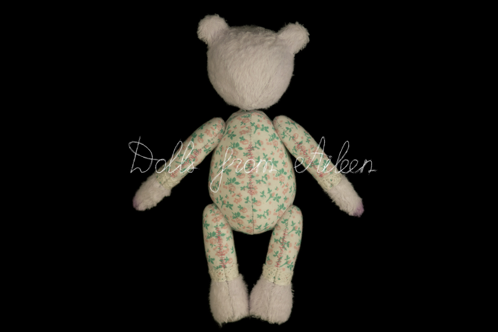 ooak artist teddy bear, view from behind